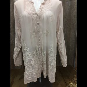 Johnny was frinna pleated button down blouse